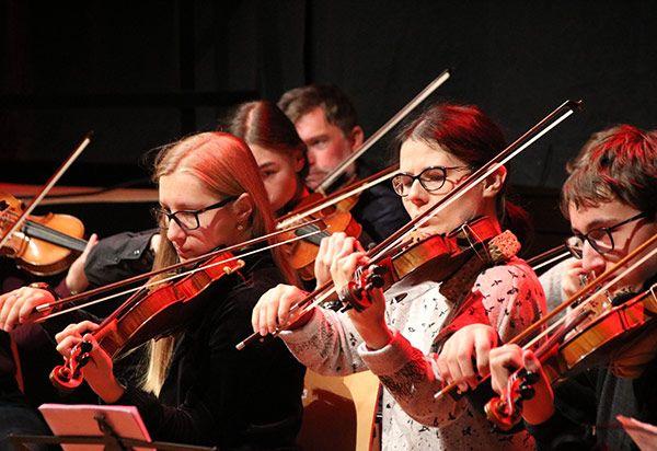 Wilhelm-Hausenstein-Gymnasium feiert 50-jähriges Schuljubiläum